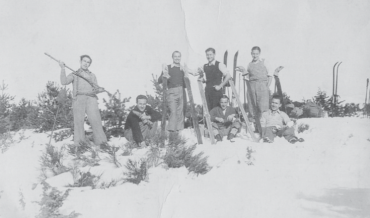 DE LA FUNDACIÓ, EL 1934, A L'ESCLAT DE LA GUERRA CIVIL ESPANYOLA (1936-1939)
