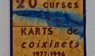 Placa commemorativa dels 20 anys de les curses de Karts de coixinets