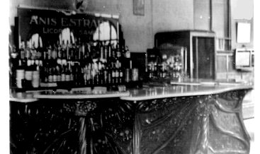 Antic mostrador del Café de l'Ateneu.